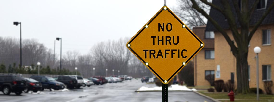 No_Thru_Traffic_Slider_Image_with_lights_2017_05_17_13_48_21_UTC