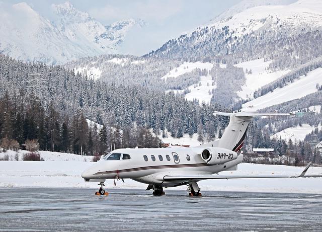 aircraft-3020976_640